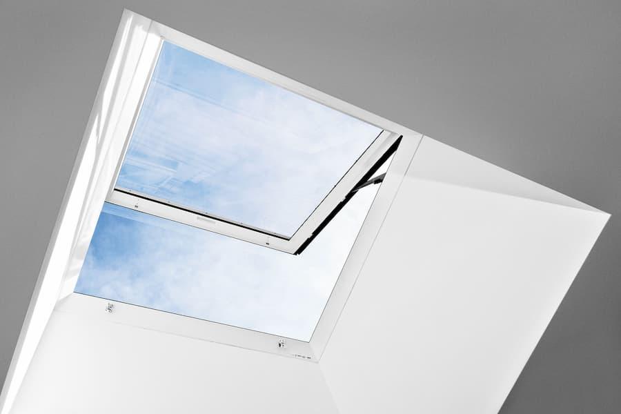 Ausstiegsfenster bei einem Flachdach © VELUX Deutschland GmbH
