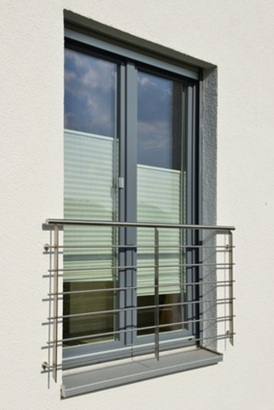 bodentiefe fenster detail nhow rotterdam bodentiefe. Black Bedroom Furniture Sets. Home Design Ideas