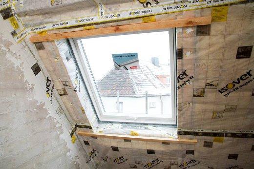 Dachfenster mit Dämmung © Bauherren-Schutzbund e.V.