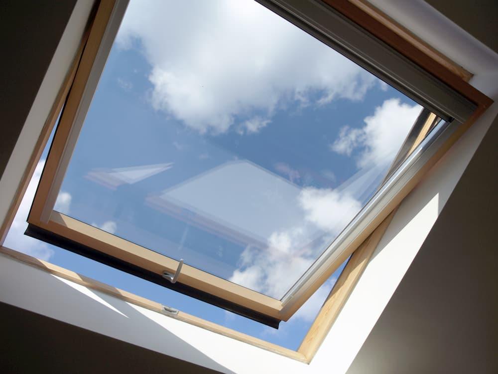 Dachfenster © finecki, stock.adobe.com