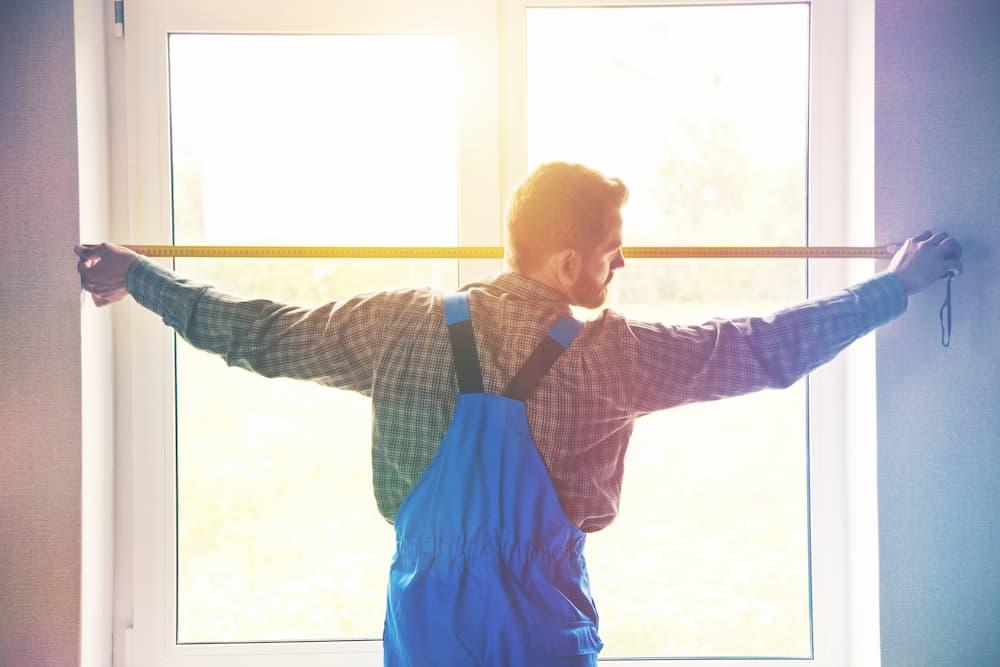Fenster ausmessen © Ivan Kruk, stock.adobe.com