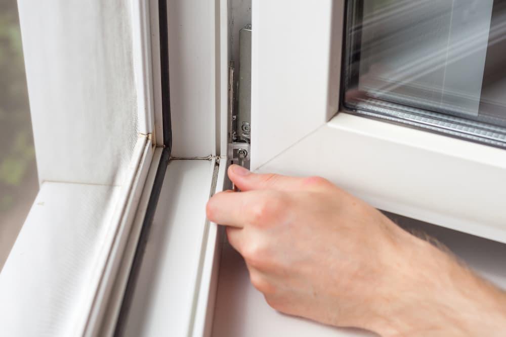 Fenster richtig einstellen und justieren © brizmaker, stock.adobe.com