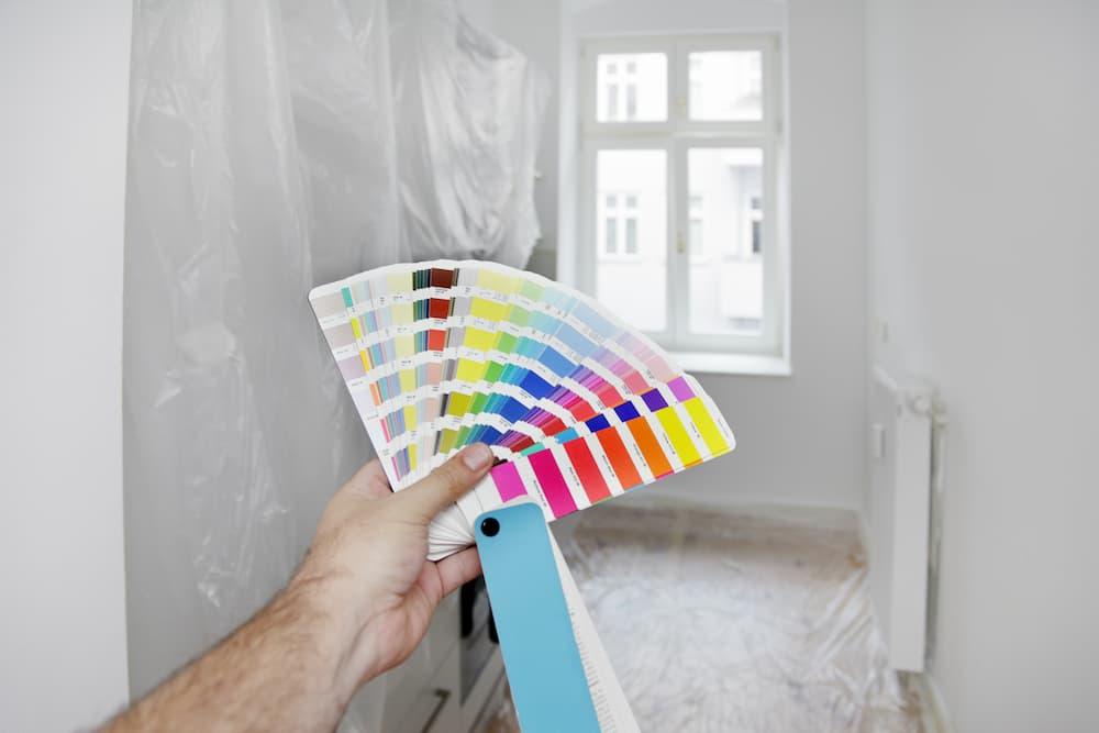 Fenster innen farbig streichen © Friedberg, stock.adobe.com