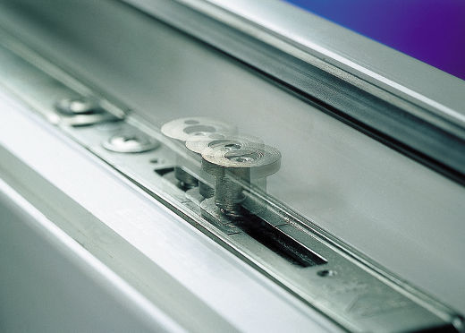 Fenster mit Pilzkopfzapfen © WERU GmbH