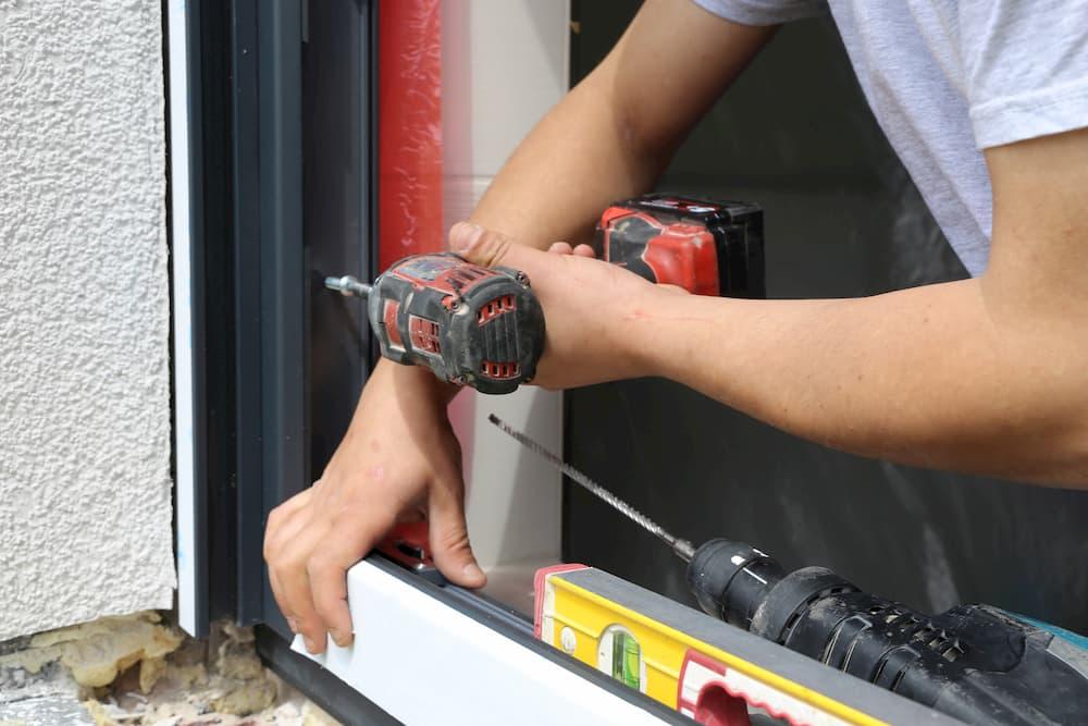 Fenstereinbau © U. J. Alexander, stock.adobe.com