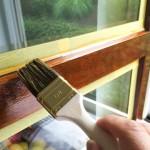 Holzfenster streichen: lackieren oder lasieren?