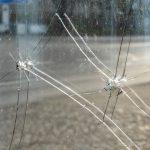 Schäden an der Fensterscheibe