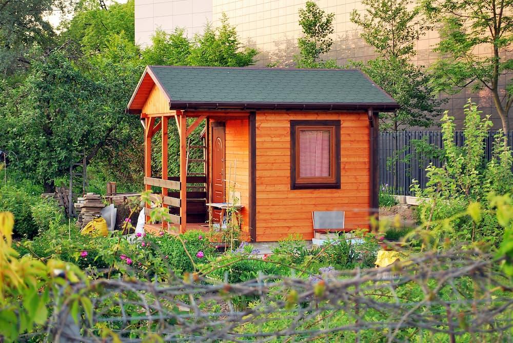 Gartenhaus mit Fenster © Grand Warszawski, stock.adobe.com