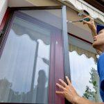 Insektenschutz: Tür, Rollo oder Gitter?