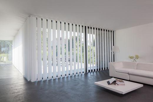innere jalousien der schiebetür window jalousie vertikal mhz hachtel fenster sonnenschutz und rolläden
