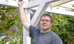 Welchen Pflege- und Wartungsaufwand verursacht ein Terrassendach?