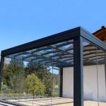 Terrassenüberdachung mit Glaswänden
