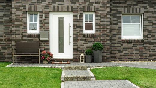 Gepflegter Eingangsbereich © Minzpeter, fotolia.com