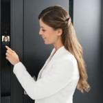 Haustüren: Welche Möglichkeiten der Einlasskontrolle gibt es?